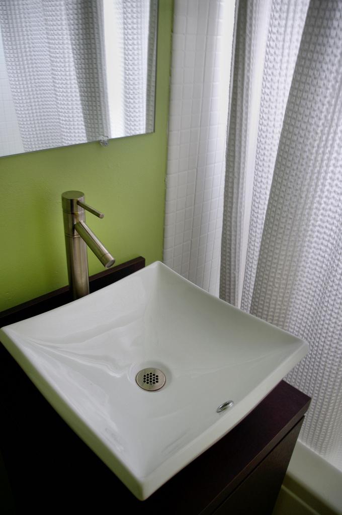 Extra wastafel aanleggen in de slaapkamer » Woning & Slaapkamer meubels