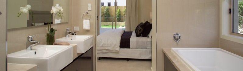 En suite badkamer in de slaapkamer » Woning & Slaapkamer meubels