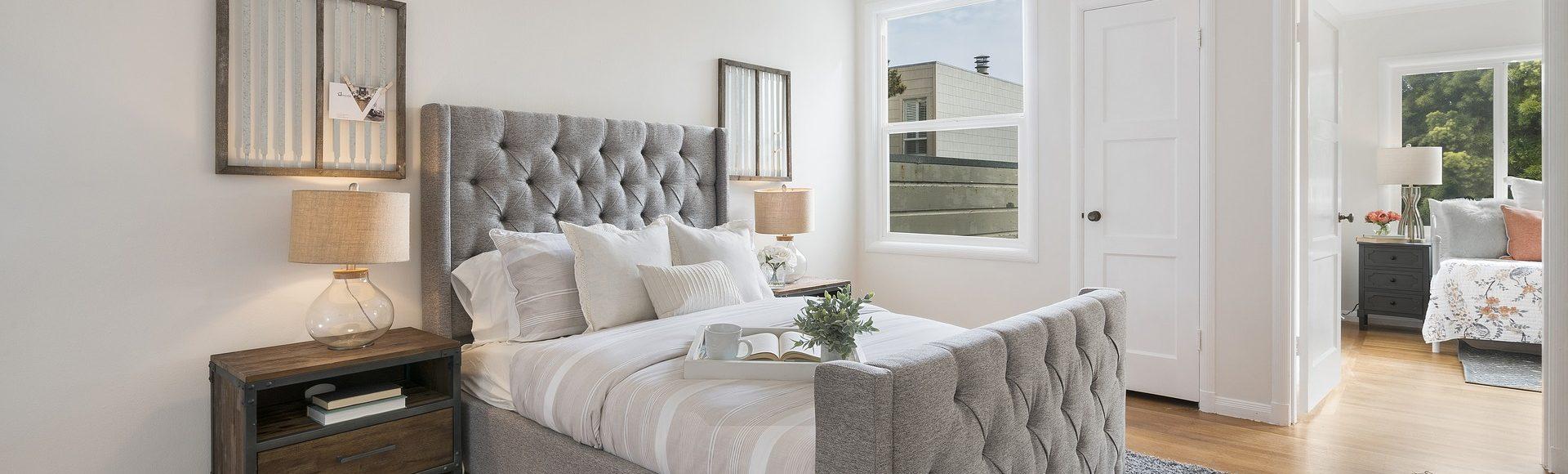 een knusse sfeer in uw slaapkamer met landelijke verlichting